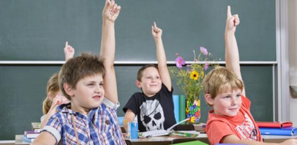 Wie bringe ich meinem Kind aktive Mitarbeit im Unterricht bei ?