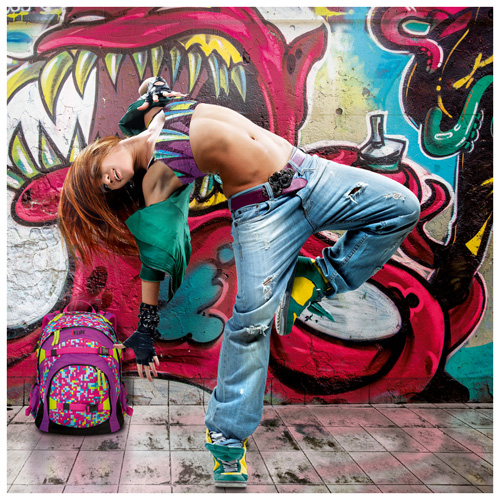 Breakdancerin mit iKON Rucksack
