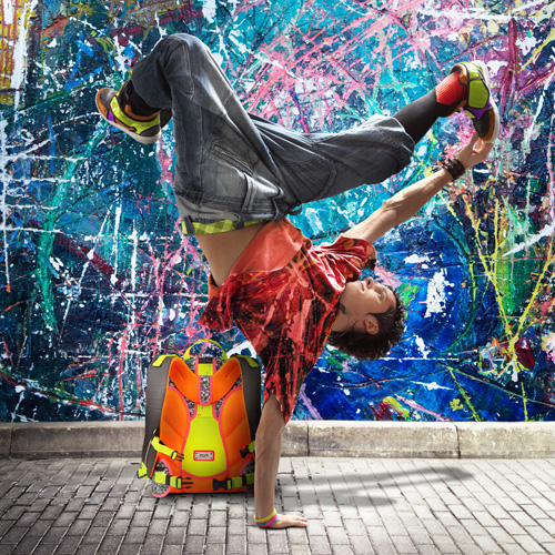 Breakdancer mit iKON Rucksack
